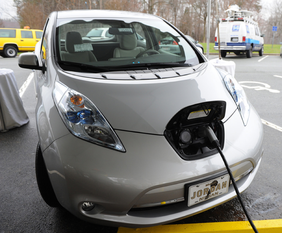 Can Hybrid And Electric Cars Save You Money Len Penzo Dot Com