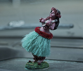 dashboard hula girl